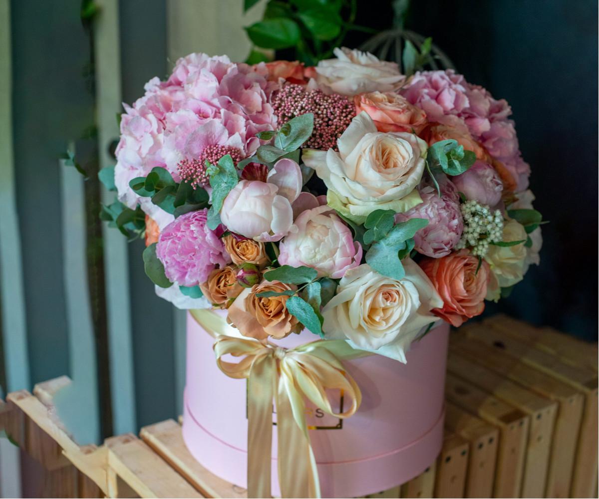 Коробка с цветами 32