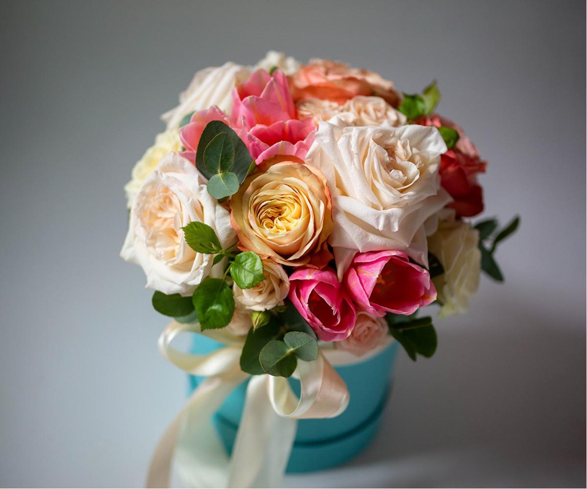Коробка с цветами 33