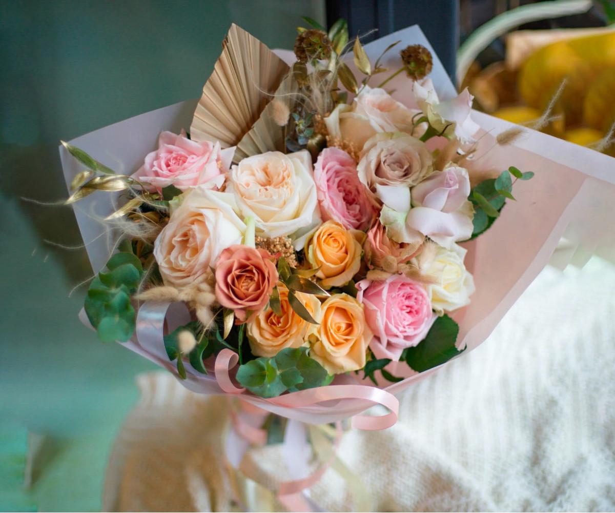 Авторский букет цветов 10