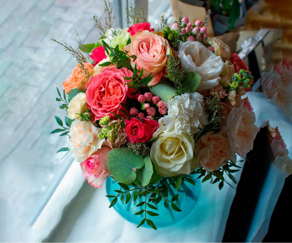 Авторский букет цветов 15
