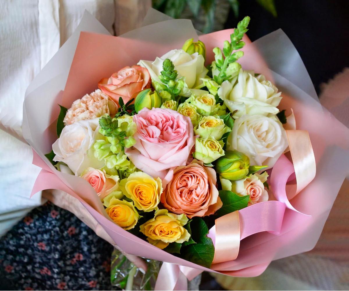 Авторский букет цветов 17