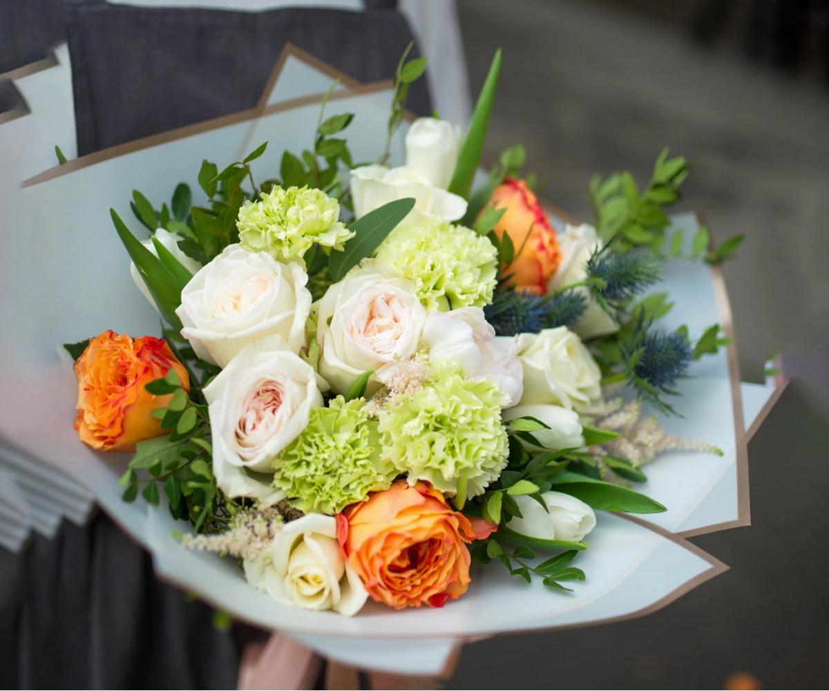 Авторский букет цветов 19