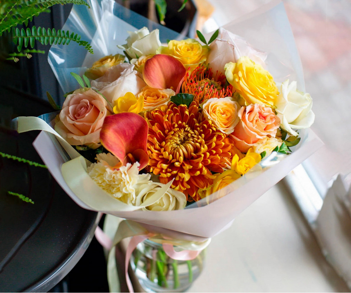 Авторский букет цветов 5